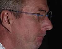 Fotball<br /> Foto: BPI/Digitalsport<br /> NORWAY ONLY<br /> <br /> 12/10/2004 England Press Conference, Hyatt Regency Hotel, Baku, Azerbaijan<br /> A tense looking Sven Gøran Eriksson