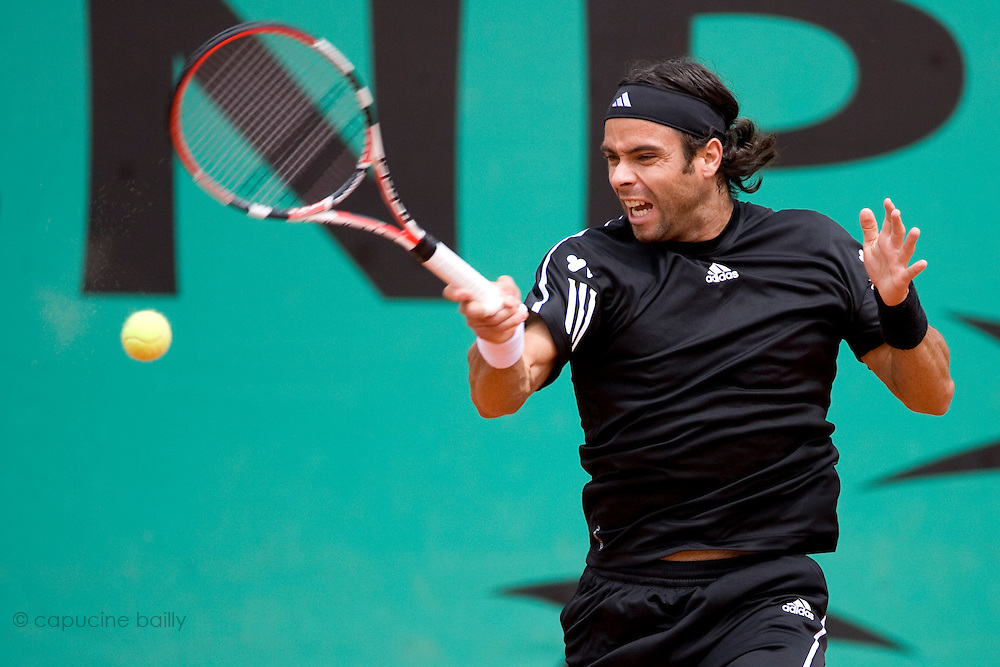 Paris, France. May 29th 2009. .Roland Garros - Tennis French Open. 3rd Round..Fernando Gonzalez against Josselin Ouanna