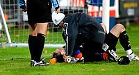 Fotball<br /> Adeccoligaen 08.10.2006<br /> Strømsgodset vs Aalesund 3-2<br /> Foto: Robert Christensen - Digitalsport<br /> <br /> Aalesund Keeper ligger nede for telling og byttes ut etter pause.