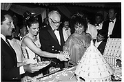 Malcolm Forbes and Liz Taylor at Forbes party, Morrocco 1989© Copyright Photograph by Dafydd Jones 66 Stockwell Park Rd. London SW9 0DA Tel 020 7733 0108 www.dafjones.com