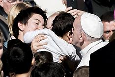 Vatican: Weekly general audience in St. Peter's Square,9 Nov. 2016