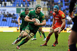 Jebb Sinclair of London Irish in possession - Photo mandatory by-line: Patrick Khachfe/JMP - Mobile: 07966 386802 22/02/2015 - SPORT - RUGBY UNION - Reading - Madejski Stadium - London Irish v Leicester Tigers - Aviva Premiership
