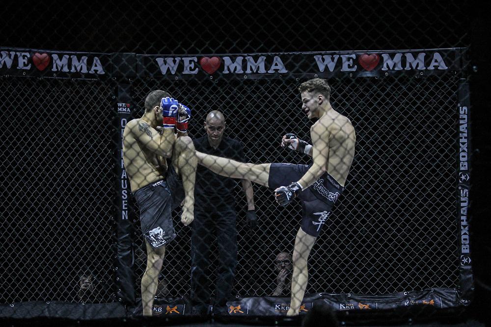 Kampfsport: MMA, We love MMA, Oberhausen, 31.01.2015<br /> David Moscatelli (MMA Geneve, Genf, l.) - Niels Fischer (Fight Center Siegen)<br /> © Torsten Helmke