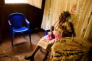In America, only 1 in 7 women over 100 can even take care of themselves. Panchita, 101 years old, not only lives alone in Nicoya's Peninsula, but also splits logs and clears brush with a machete that is almost as tall as she is.