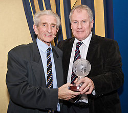 LIVERPOOL, ENGLAND - Friday, November 27, 2009: Joe Royle with Dave Hickson at the Health Through Sport charity dinner at the Devonshire House. (Photo by David Rawcliffe/Propaganda)