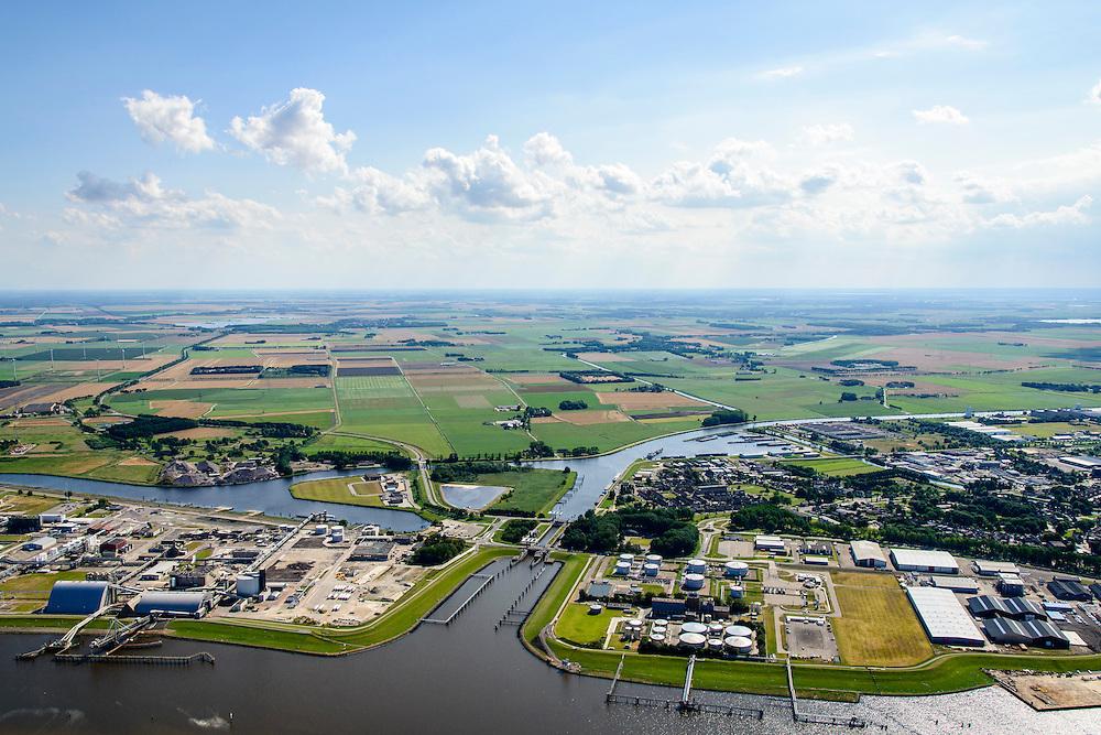 Nederland, Groningen, Delfzijl, 05-08-2014; haven Delfzijl met Chemie Park Delfzijl en Eemskanaal. <br /> Delfzijl, port and Chemical Park Delfzijl. Eemskanaal.<br /> luchtfoto (toeslag op standard tarieven);<br /> aerial photo (additional fee required);<br /> copyright foto/photo Siebe Swart