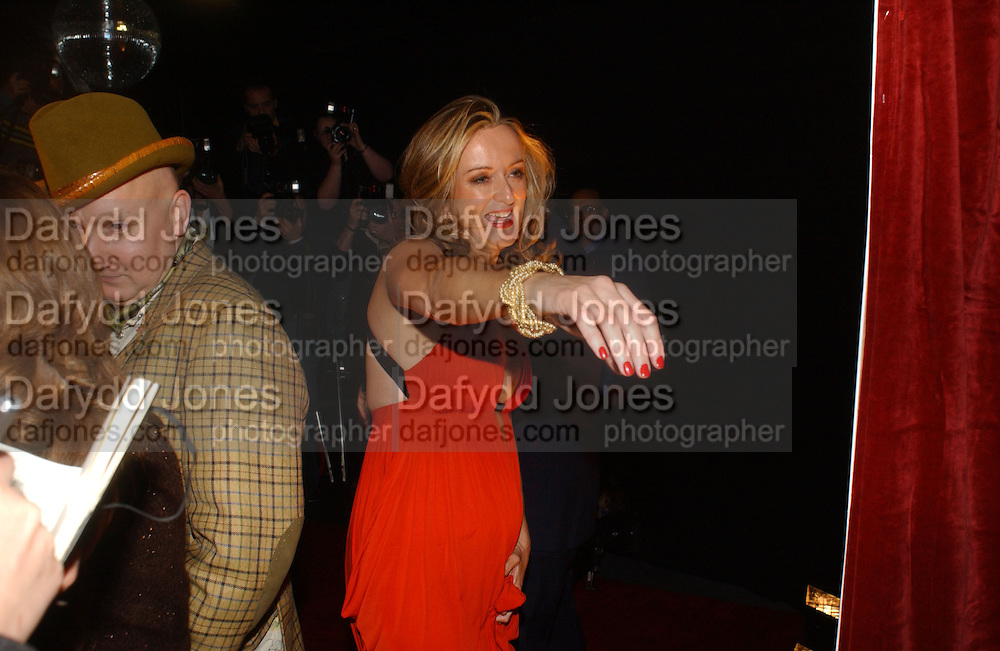 LUCY YEOMANS. Party to celebrate the First issue of British Harper's Bazaar. Cirque, Leicester Sq. London. 16 February 2006. ONE TIME USE ONLY - DO NOT ARCHIVE  © Copyright Photograph by Dafydd Jones 66 Stockwell Park Rd. London SW9 0DA Tel 020 7733 0108 www.dafjones.com