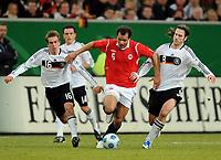 Fotball<br /> Treningskamp<br /> Tyskland v Norge 0-1<br /> Foto: Witters/Digitalsport<br /> NORWAY ONLY<br /> <br /> 11.02.2009<br /> <br /> v.l. Philipp Lahm, Daniel Braaten (Norwegen), Torsten Frings