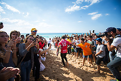 October 20, 2018 - Peniche, Portugal - The Brazilian surfer Italo Ferreira, enters for his first heat of the day. (Finals, Heat 1) (Credit Image: © Henrique Casinhas/NurPhoto via ZUMA Press)
