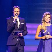 NLD/Hilversum/20160926 - Finale Miss Nederland 2016, Victor Brand en Kim Kotter