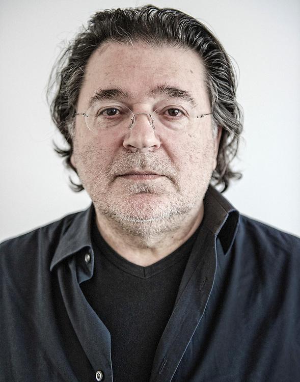 Netherlands. Amsterdam, 28-4-2015. Photo: Patrick Post. Portret van Leon de Winter. Interview aangaande zijn nieuwe boek Geronimo.