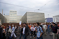 DEU, Deutschland, Germany, Berlin, 29.07.2013:<br />1. Großer BND Spaziergang der Digitalen Gesellschaft. Demonstration vor dem Neubau des Bundesnachrichtendienstes (BND) in der Chausseestrasse anlässlich der durch Edward Snowden publik gewordenen massenhaften Ausspähung von Kommunikationsdaten durch den US-Geheimdienst NSA.