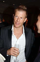 Top chef TOM AIKENS at the Tatler Restaurant Awards in association with Champagne Louis Roederer held at the Four Seasons Hotel, Hamilton Place, London W1 on 10th January 2005.<br /><br /><br />NON EXCLUSIVE - WORLD RIGHTS
