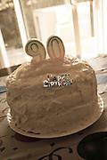 USA, Oregon, Keizer, 90th birthday cake.