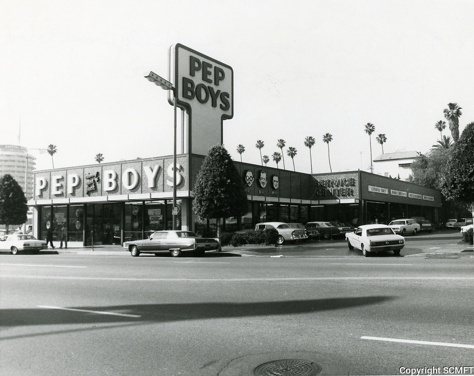 1977 Pep Boys on Hollywood Blvd. just west of Gower St.