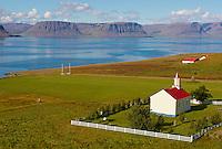 Islande, fjord de l Ouest, fjord de Arnarfjordur, eglise de Hrafnseyri // Iceland, Westfjord, Arnarfjordur fjord, Hrafnseyri church