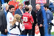 Koning Willem-Alexander heeft op het Museumplein in Amsterdam tegenover het Rijksmuseum het wereldkampioenschap voetbal voor dak- en thuislozen geopend. <br /> <br /> King Willem-Alexander on the Museumplein in Amsterdam, opposite the Rijksmuseum opened the World Cup for the homeless.<br /> <br /> Op de foto / On the photo:  Koning Willem Alexander / King Willem Alexander
