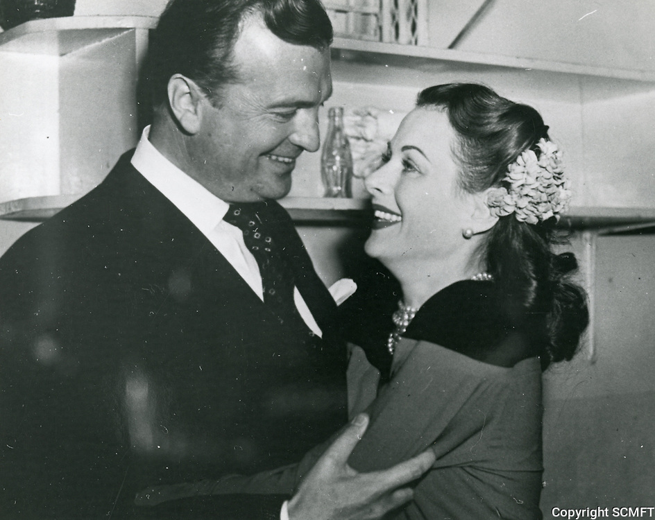 1943 John Loder and Hedy Lamarr at he Hollywood Canteen