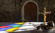 Łopienka, 2018-10-12 (woj.podkarpackie). Grekokatolicka cerkiew św. Męczennicy Paraskewii w Łopience. Ołtarz z kopią ikony Matki Boskiej.