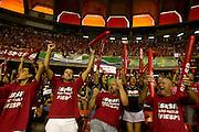 Belo Horizonte_MG, 24 de Abril de 2011..SUPERLIGA MASCULINA FINAL..Jogadores de Sada/Cruzeiro e do Sesi/SP disputam o titulo de campeao brasileiro em partida realizada no estadio do Mineirinho, em Belo Horizonte.O Sesi se sagrou campeao vencendo o jogo por 3 sets a 1...FOTO: MARCUS DESIMONI / NITRO.....