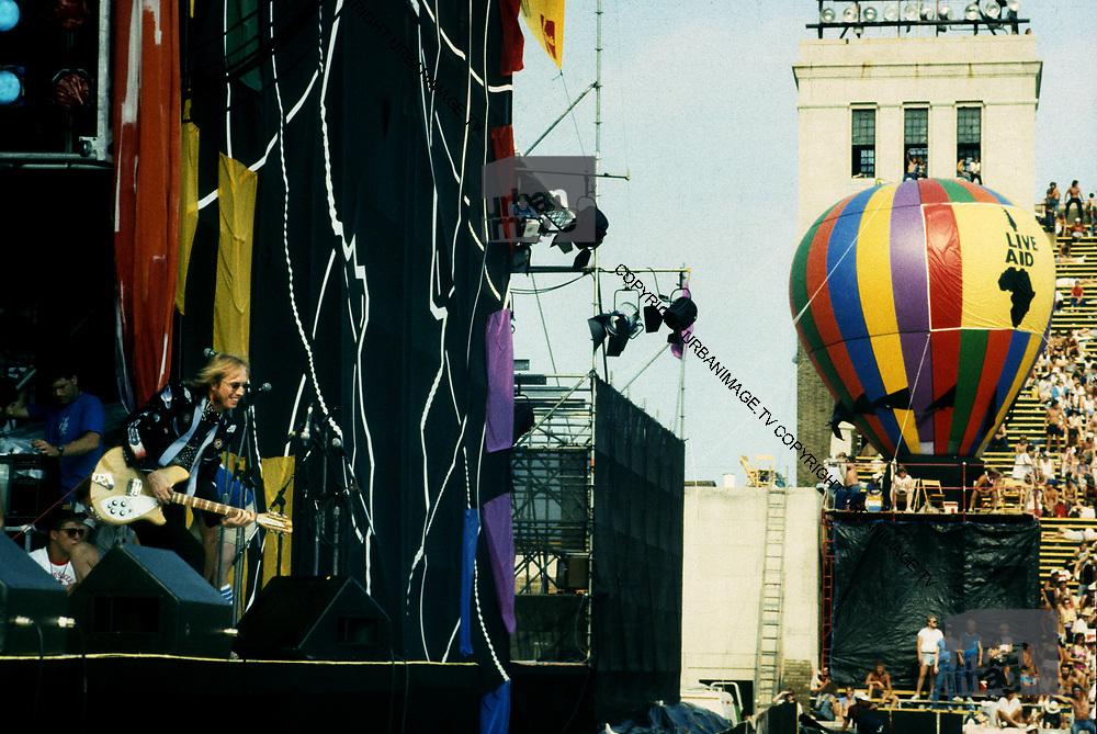 Tom Petty performs at Live Aid Philadelphia USA- 1985