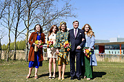 EINDHOVEN, 27-04-2021, High Tech Campus<br /> <br /> Koning Willem-Alexander, Koningin Maxima met hun dochters Prinses Amalia, Prinses Alexia en Prinses Ariane tijdens Koningsdag 2021 op de High Tech Campus in Eindhoven Foto: Brunopress/POOL/Mischa Schoemaker<br /> <br /> King Willem-Alexander, Queen Maxima with their daughters Princess Amalia, Princess Alexia and Princess Ariane during King's Day 2021 at Eindhoven