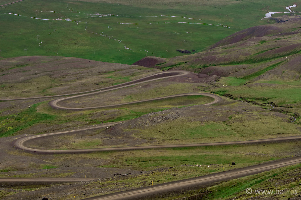 Graved road in Hellisheidi, east of Iceland - Malarvegur á Hellisheiði eystri