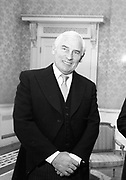 Peter Barry Minister for Foreign Affairs 16-9-1985