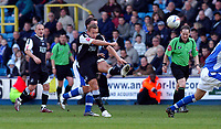 Photo: Alan Crowhurst.<br />Millwall v Swansea City. Coca Cola League 1. 31/03/2007.<br />Swansea's Lee Trundle shoots from distance.