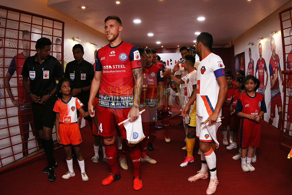 Players inside tunnel with escort kids during match 25 of the Hero Indian Super League 2018 ( ISL ) between Jamshedpur FC and FC Goa held at JRD Tata Sports Complex, Jamshedpur, India on the 1st November  2018<br /> <br /> Photo by Saikat Das /SPORTZPICS for ISL