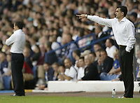 Photo: Aidan Ellis.<br /> Leeds United v Swansea City. Coca Cola League 1. 22/09/2007.<br /> Swansea manager Roberto Martinez gives directions to his team