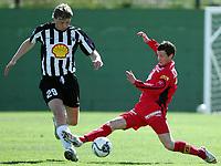 Fotball<br /> La Manga 2006<br /> 20.02.2006<br /> Brann v KR Reykjavik<br /> Foto: Morten Olsen, Digitalsport<br /> <br /> Petter Vaagan Moen - Brann<br /> Rogvi Jacobsen - KR