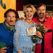 CD overhandiging aan Irene Moors door Nico Swinkels en Rob Verlinden