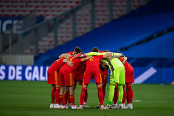 NICE, FRANCE - Wednesday, June 2, 2021: Wales players from a pre-match huddle before an international friendly match between France and Wales at the Stade Allianz Riviera ahead of the UEFA Euro 2020 tournament. (Pic by Simone Arveda/Propaganda)