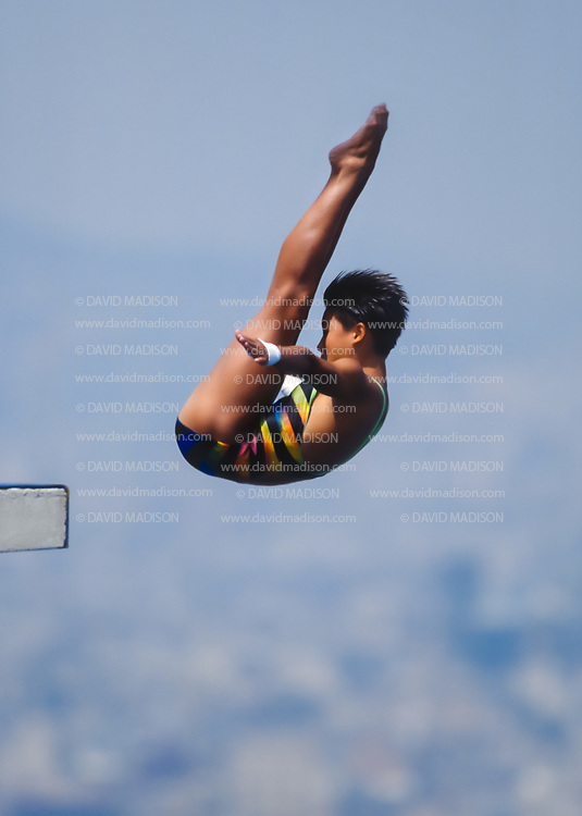 BARCELONA - JULY 27:  Zhu Jinhong of China competes in the Women's 10 meter Diving final at the Piscina Municipal de Montjuic on July 27, 1992 during the Summer Olympics in Barcelona, Spain.  (Photo by David Madison/Getty Images)