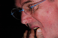 Fotball<br /> Privatlandskamp<br /> Spania v England<br /> 17. november 2004<br /> Foto: Digitalsport<br /> NORWAY ONLY<br /> England Press Conference and training, Madrid<br /> Sven Goran Eriksson ponders his selection ahead of tomorrow's friendly against Spain