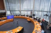 DEU, Deutschland, Germany, Berlin, 23.06.2021: Deutscher Bundestag, Sitzung des Wirtschaftsausschusses, mit Kay Scheller, Präsident des Bundesrechnungshofes, und dem Ausschussvorsitzenden Klaus Ernst (DIE LINKE).