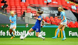 Niamh Charles of Chelsea Women is challenged by Chloe Kelly of Manchester City Women- Mandatory by-line: Nizaam Jones/JMP - 29/08/2020 - FOOTBALL - Wembley Stadium - London, England - Chelsea v Manchester City - FA Women's Community Shield