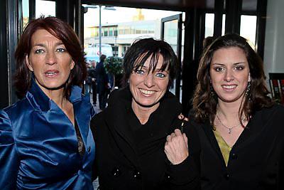 NLD/Zaandam/20081207 - Premiere Op Hoop van Zegen, Carla Cramer / van der waal en kinderen Ben Cramer