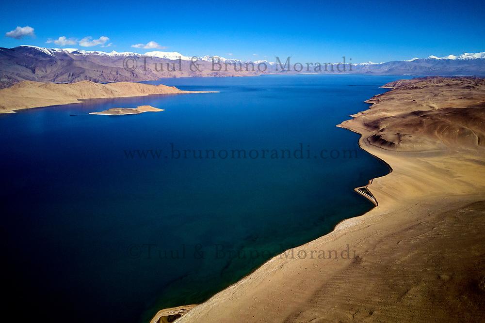 Tadjikistan, Asie centrale, Gorno Badakhshan, Haut Badakhshan, le Pamir, la Route du Pamir, le lac Karakoul vue du ciel // Tajikistan, Central Asia, Gorno Badakhshan, the Pamir, Wakhan valley, the Pamir highway, Karakul lake from above