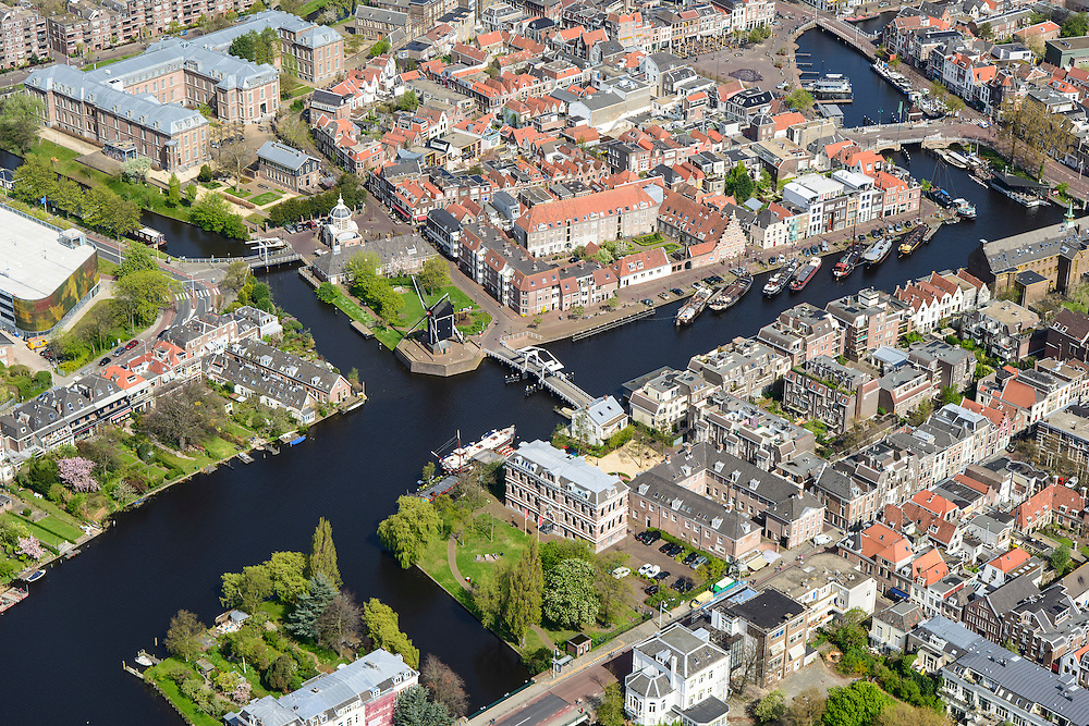 Nederland, Zuid-Holland, Leiden, 09-04-2014; binnenstad met Galgewater, Molen De Put, Morspoort. <br /> Old town of the city of Leiden with old mill and canal.<br /> luchtfoto (toeslag op standard tarieven);<br /> aerial photo (additional fee required);<br /> copyright foto/photo Siebe Swart.