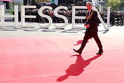 03.10.2015, Frankfurt am Main, GER, Tag der Deutschen Einheit, im Bild Oberbuergermeister Peter Feldmann geht ueber den Roten Teppich zur Alten Oper Frankfurt // during the celebrations of the 25 th anniversary of German Unity Day in Frankfurt am Main, Germany on 2015/10/03. EXPA Pictures © 2015, PhotoCredit: EXPA/ Eibner-Pressefoto/ Roskaritz<br /> <br /> *****ATTENTION - OUT of GER*****
