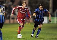 Fotball<br /> Tyskland<br /> 08.01.2012<br /> Foto: Witters/Digitalsport<br /> NORWAY ONLY<br /> <br /> v.l. Per Ciljan Skjelbred (HSV), Vadis Odjidja Ofoe<br /> Fussball Hamburger SV, Trainingslager Marbella 2012, <br /> <br /> Testspiel FC Brügge - Hamburger SV