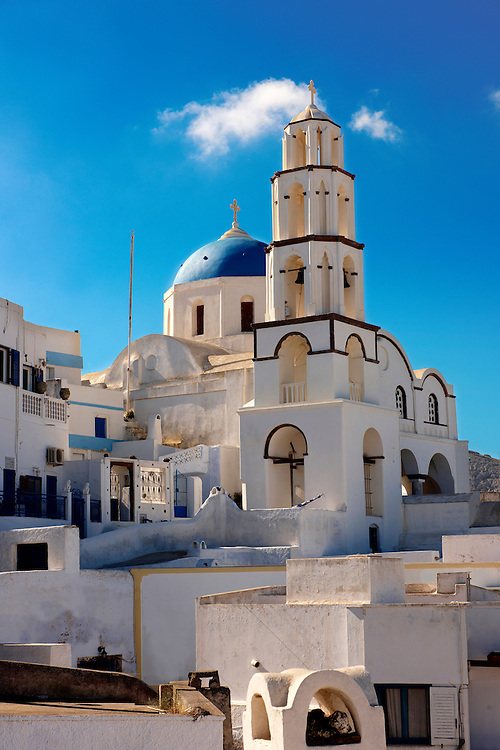 Chapel and churches of Pyros, Santorini, Greece .<br /> <br /> If you prefer to buy from our ALAMY PHOTO LIBRARY  Collection visit : https://www.alamy.com/portfolio/paul-williams-funkystock/santorini-greece.html<br /> <br /> Visit our PHOTO COLLECTIONS OF GREECE for more photos to download or buy as wall art prints https://funkystock.photoshelter.com/gallery-collection/Pictures-Images-of-Greece-Photos-of-Greek-Historic-Landmark-Sites/C0000w6e8OkknEb8