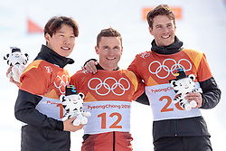 24.02.2018, Phoenix Snow Park, Bokwang, KOR, PyeongChang 2018, Snowboard, Herren, Siegerpräsentation, Parallel Riesenslalom, im Bild v.l. Sangho Lee (KOR, 2. Platz), Nevin Galmarini (SUI, 1. Platz), Zan Kosir (SLO, 3. Platz) // f.l. silver medalist Sangho Lee of Republic of Korea gold medalist and Olympic champion Nevin Galmarini of Switzerland bronce medalist Zan Kosir of Slovenia during the winner presentation for the men's Snowboard Parallel Riesenslalom of the Pyeongchang 2018 Winter Olympic Games at the Phoenix Snow Park in Bokwang, South Korea on 2018/02/24. EXPA Pictures © 2018, PhotoCredit: EXPA/ Johann Groder