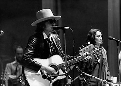 Jun 03, 1970; London, England, U.K. - Singer BOB DYLAN on stage with singer/actress RONEE BLAKELY. (Credit Image: © Keystone USA via ZUMAPRESS.com)