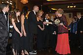 Koningin Beatrix bij premiere Kees de Jongen