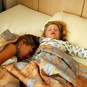 Vakantie Miami Amerika, hotel, Diana + Linda Janssen slapend, kinderen, pyjama