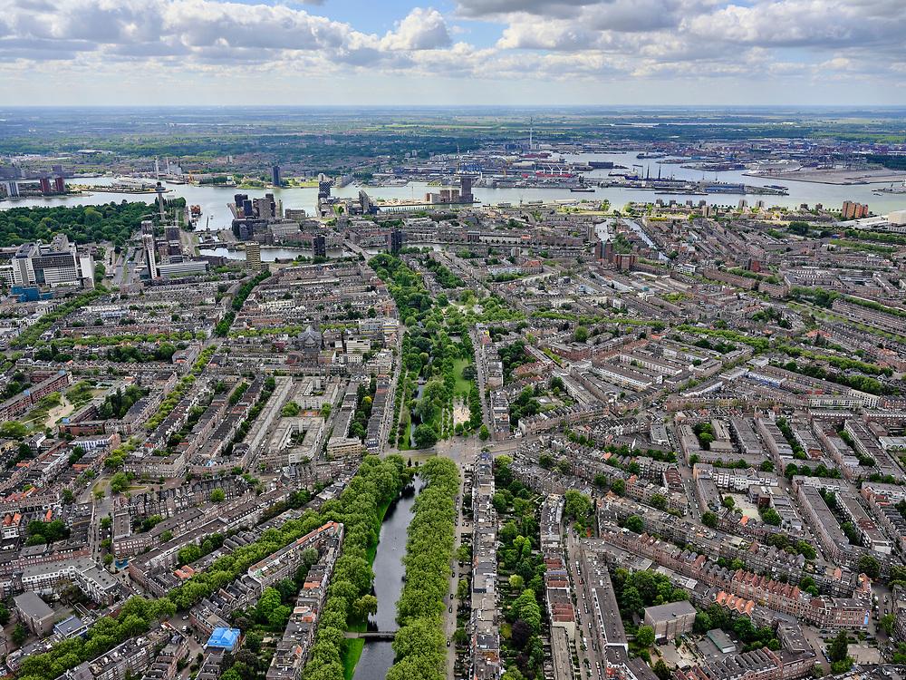 Nederland, Zuid-Holland, Rotterdam; 14–05-2020; Rotterdam-West met overzicht van het Nieuwe Westen en Middelland. Heemraadssingel (met bomen) richting Erasmus MC en Delfshaven. Rivier de Nieuwe Maas.<br /> Rotterdam-West with an overview of the New West and Midland. Heemraadssingel (with trees) , river Nieuwe Maas.<br /> <br /> luchtfoto (toeslag op standaard tarieven);<br /> aerial photo (additional fee required)<br /> copyright © 2020 foto/photo Siebe Swart