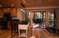 Squam lake house for Misiaszek and Turpin Architectural Planning.    ©2020 Karen Bobotas Photographer